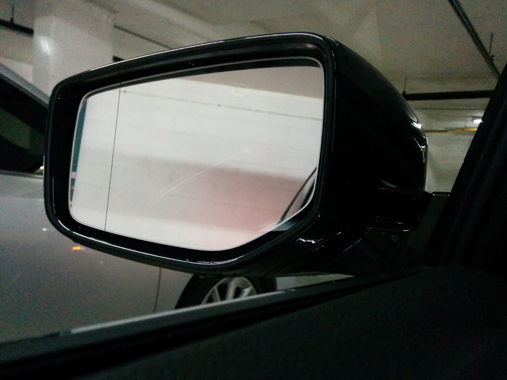 line on driver side mirror, what the heck is this?-img_20141019_142649.jpg